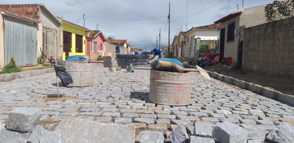 Início da pavimentação da IV Travessa do Tambor e conclusão de drenagem