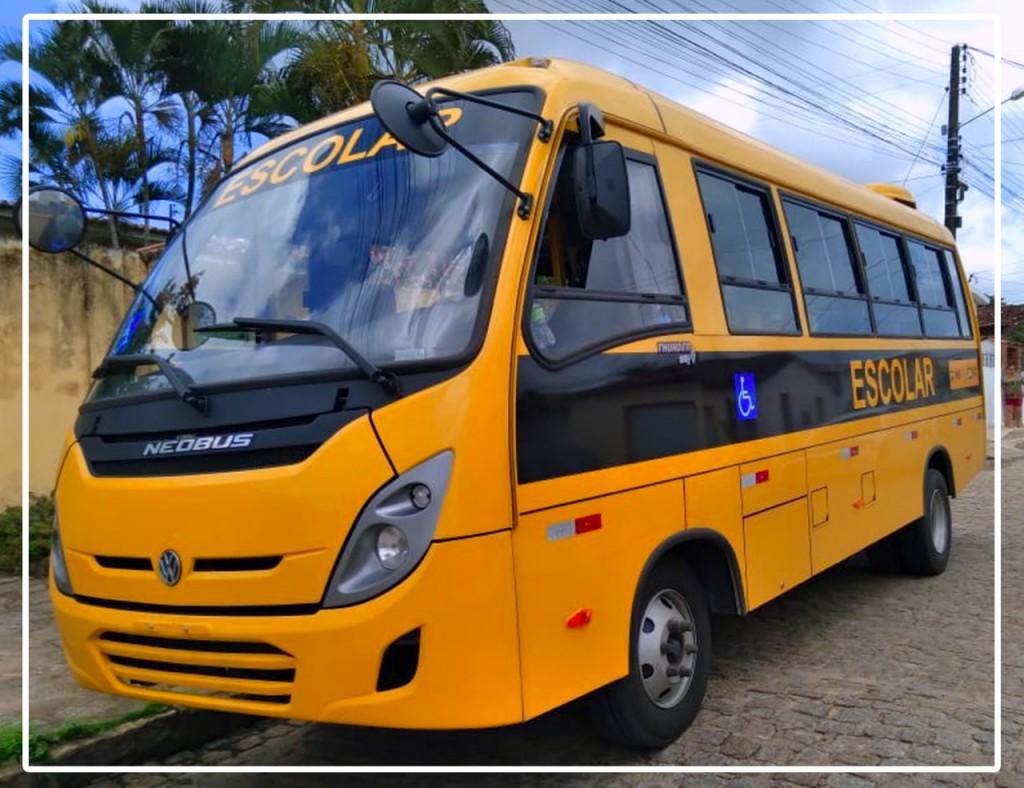 Emenda parlamentar garante mais dois ônibus para Educação em Itapororoca
